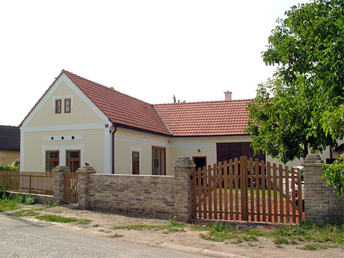 Reconstruction of a country house in Řitka
